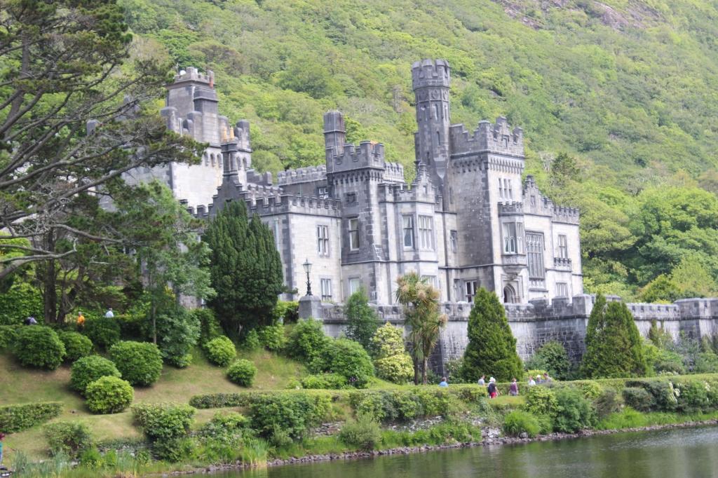 kylemore abbey connemara ireland